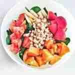 Ensalada de alubias con fresas y boniato