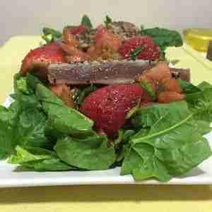 Ensalada de atún y tartar de tomate