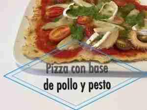 Foto de video-receta de pizza con base de pollo y pesto con setas y queso de cabra