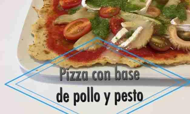 Vídeo-receta de pizza con base de pollo, pesto y queso de cabra