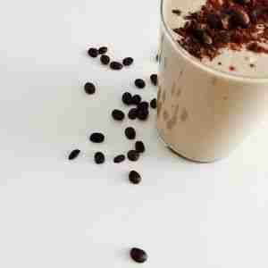Batido de cafe con leche y chocolate