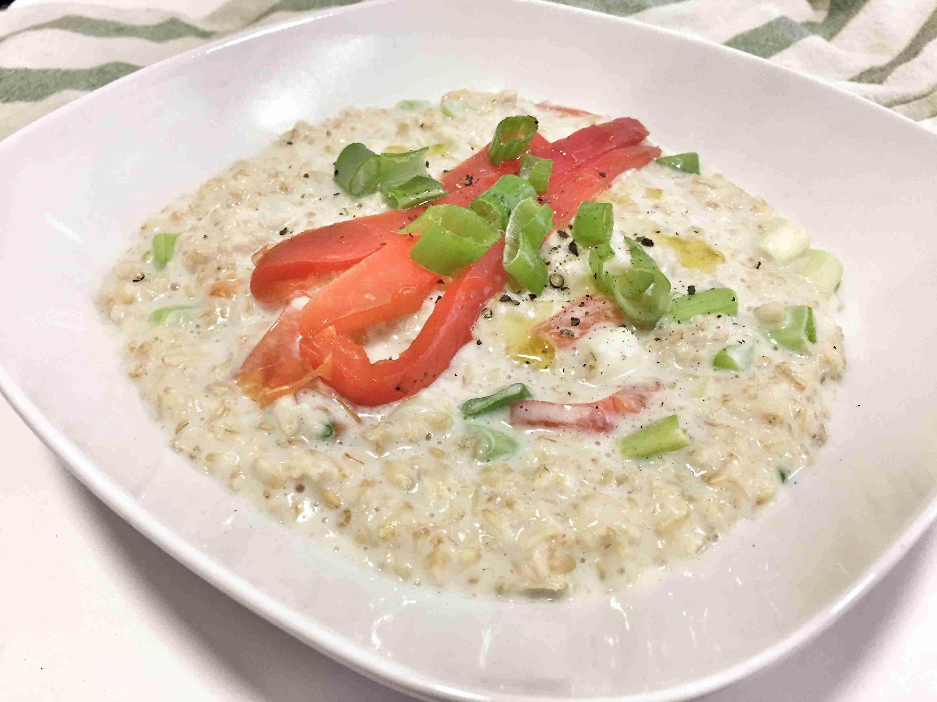 Porridge con pimientos asados y cebollino