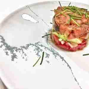 Tartar de salmón salvaje con aguacate