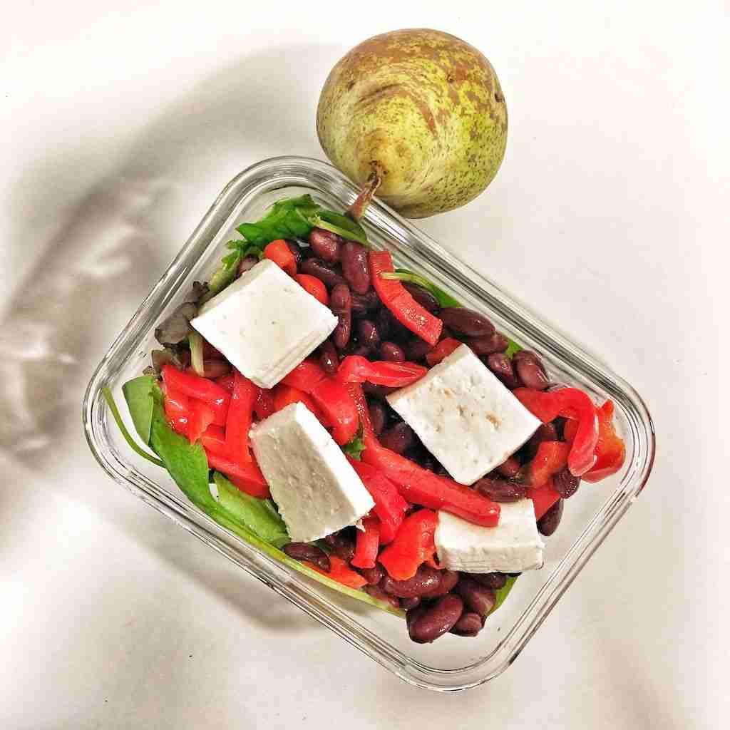 Ensalada de alubias rojas con queso fresco