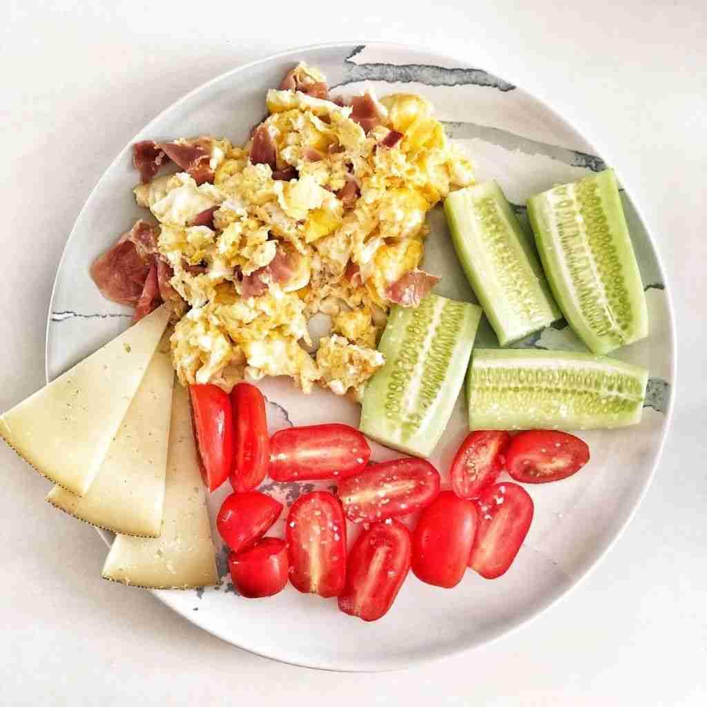 Huevos revueltos con jamón