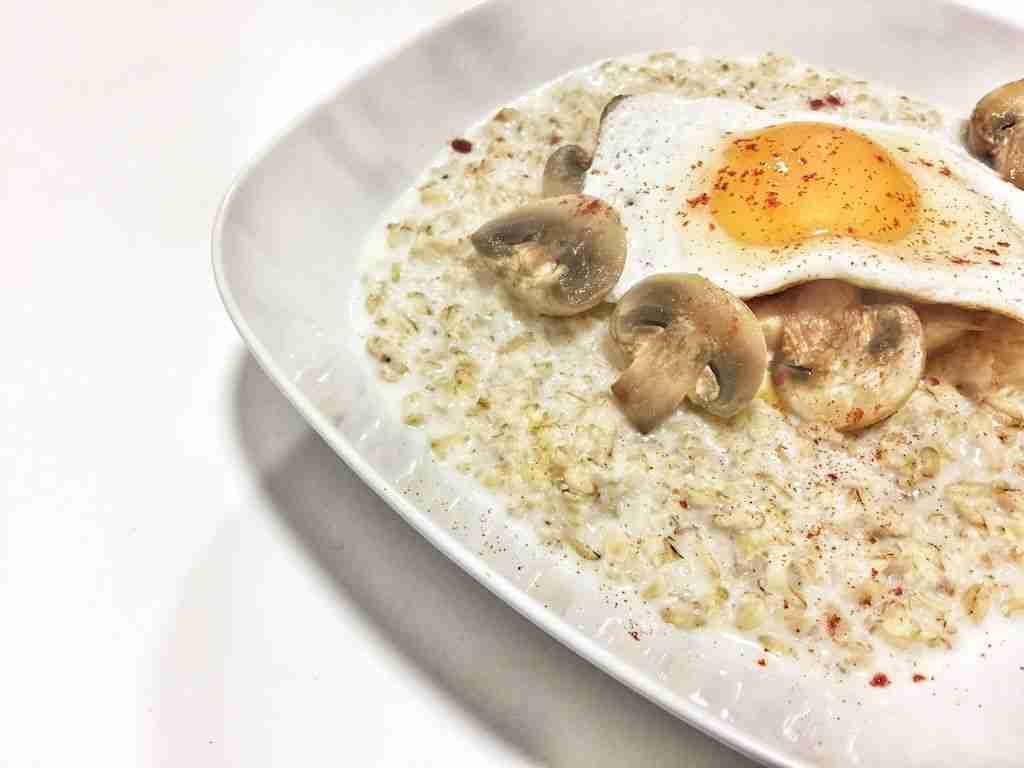 porridge champiñones y huevo