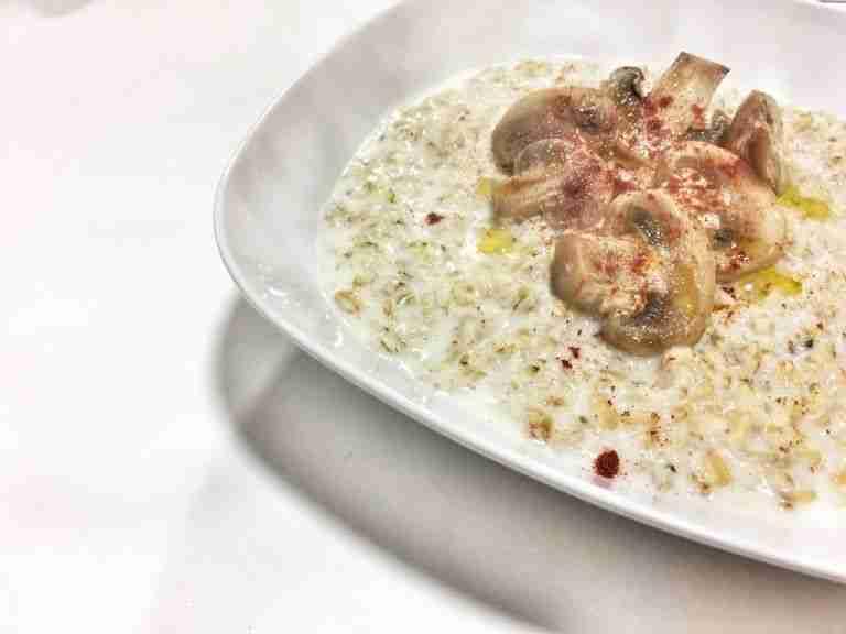 Porridge con champiñones y pimentón